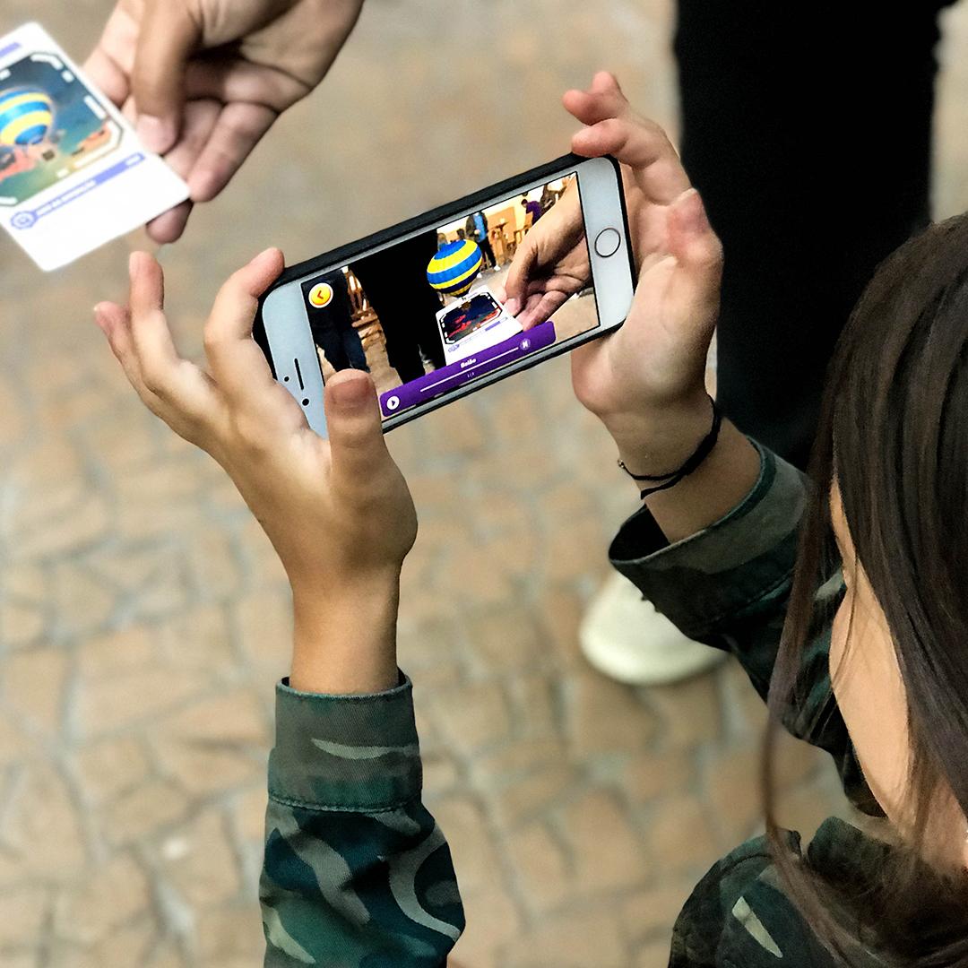 Demonstração da interação entre o Card e a Câmera Mágica