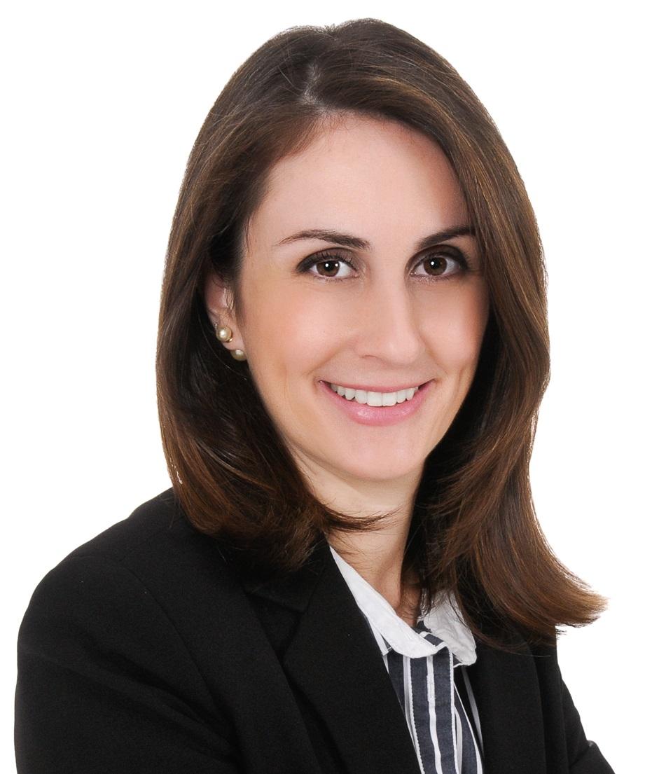 Foto Dra. Cíntia Salgado Azoni