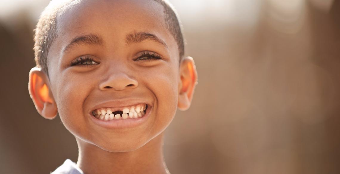 Como ajudar crianças que têm medo de dentista